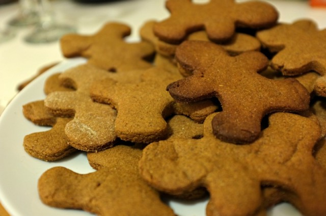 gingerbread men, gingerbread cookies, christmas party